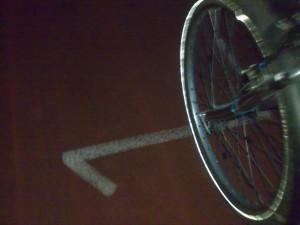 Fahrrad auf Tartanbahn